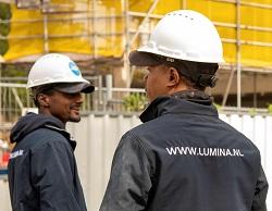 Elektromonteurs Lumina aan het werk